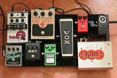 400px-pedalboard_995939579